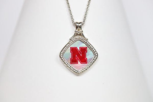 Nebraska Small Diagonal Mother of Pearl Necklace