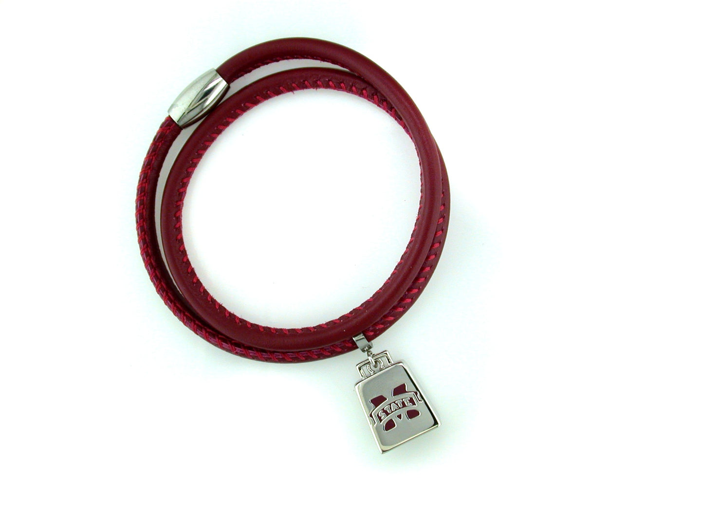 Show your love for the Mississippi State Bulldogs with our 2019 College World Series expandable bracelet! Hail State!   Features  Choose from yellow or white Bronze charms School logo, year & College World Series charms One size fits all  Officially Licensed
