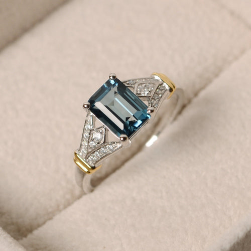 Eve Blue Square Crystal Rings
