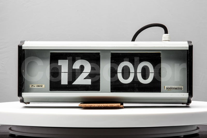Set of 4x Industrial Flip Clocks - 1980s by Pragotron