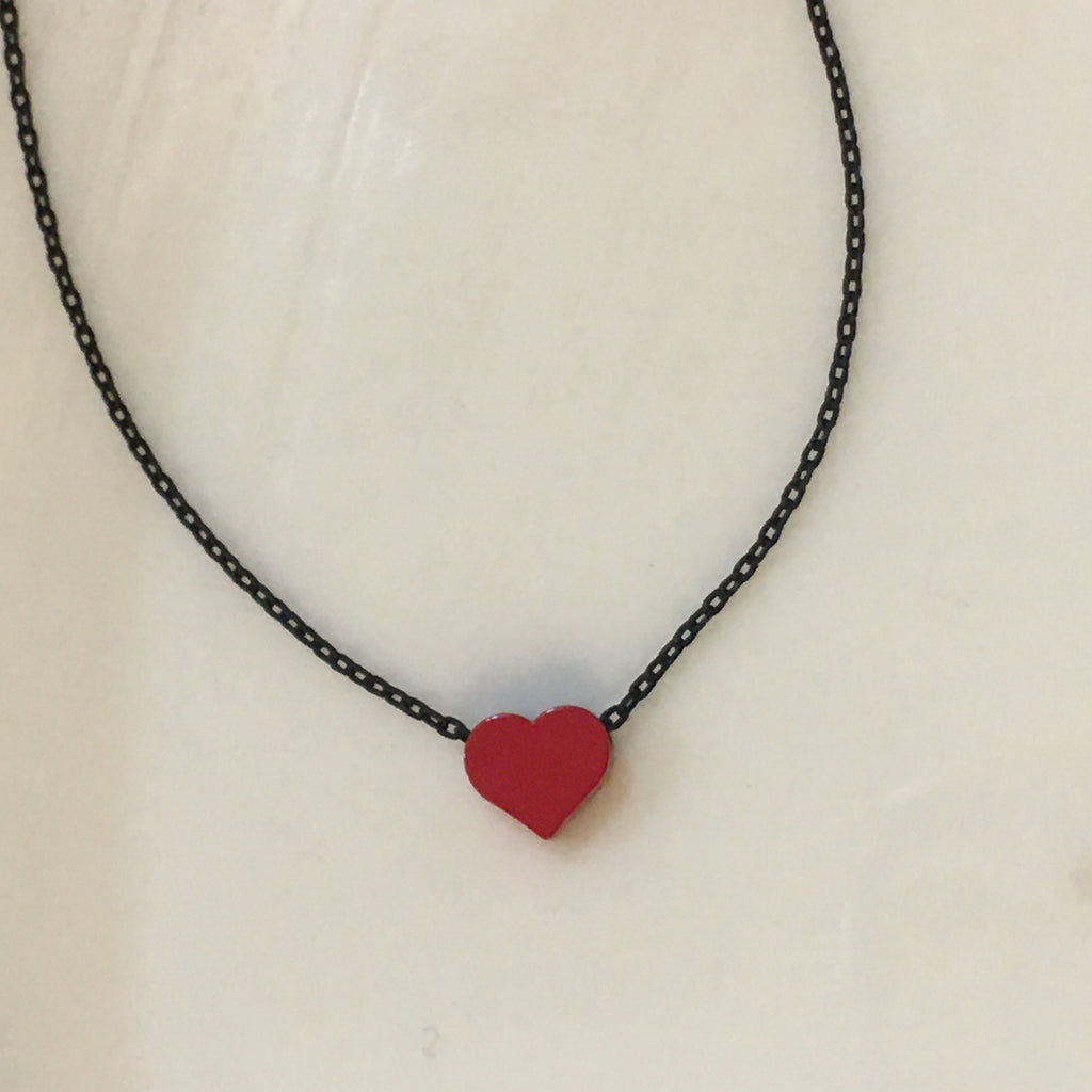 Red heart tiny necklace