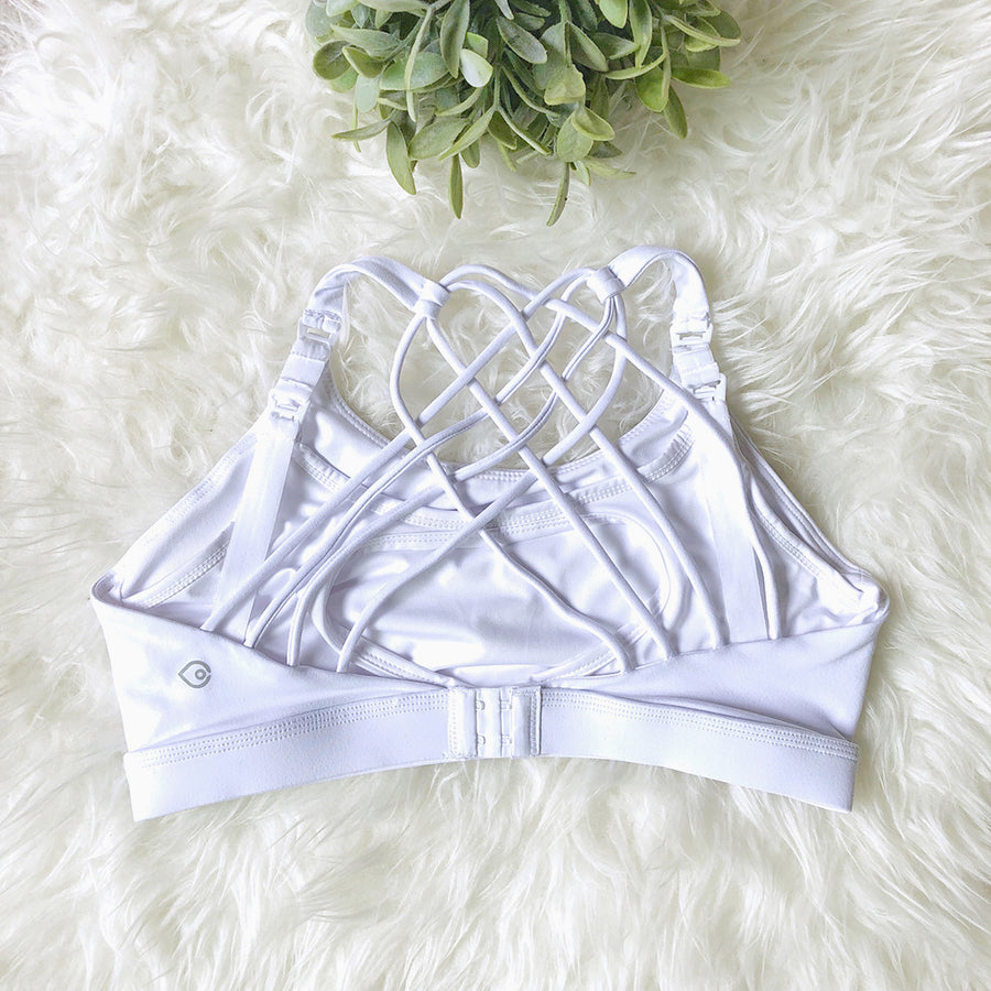 Océane 3 sports Bra doubled as a nursing bra, clip down nursing  hands free pumping, white, strappy back, stylish, adjustable back closure, comfy