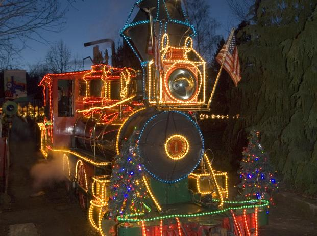 oregon zoo train decorated with zoo lights