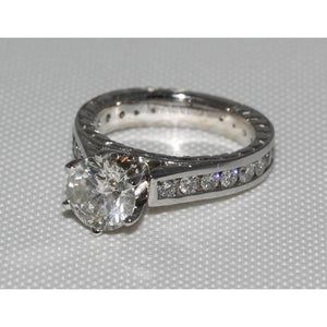 2.75 Carat Sparkling Diamonds Solitaire Antique Style Ring With Accents