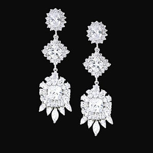 Gorgeous 2.5 Carat Diamond Chandelier Style Earring Pair Jewelry Gold