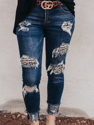 DISTRESSED LEOPARD PATCH ANKLE SKINNY
