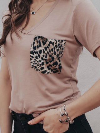 (KRUSH EXCLUSIVE) The Purrfect Leopard Pocket V Neck Tee