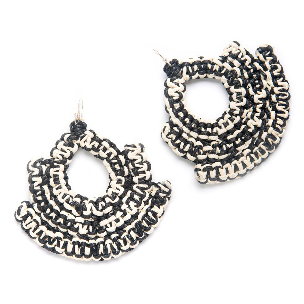 CARALARGA | Guerrera Earrings - Black