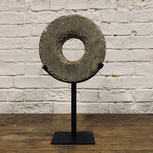 DECORATIVE STONE WHEEL ON STAND