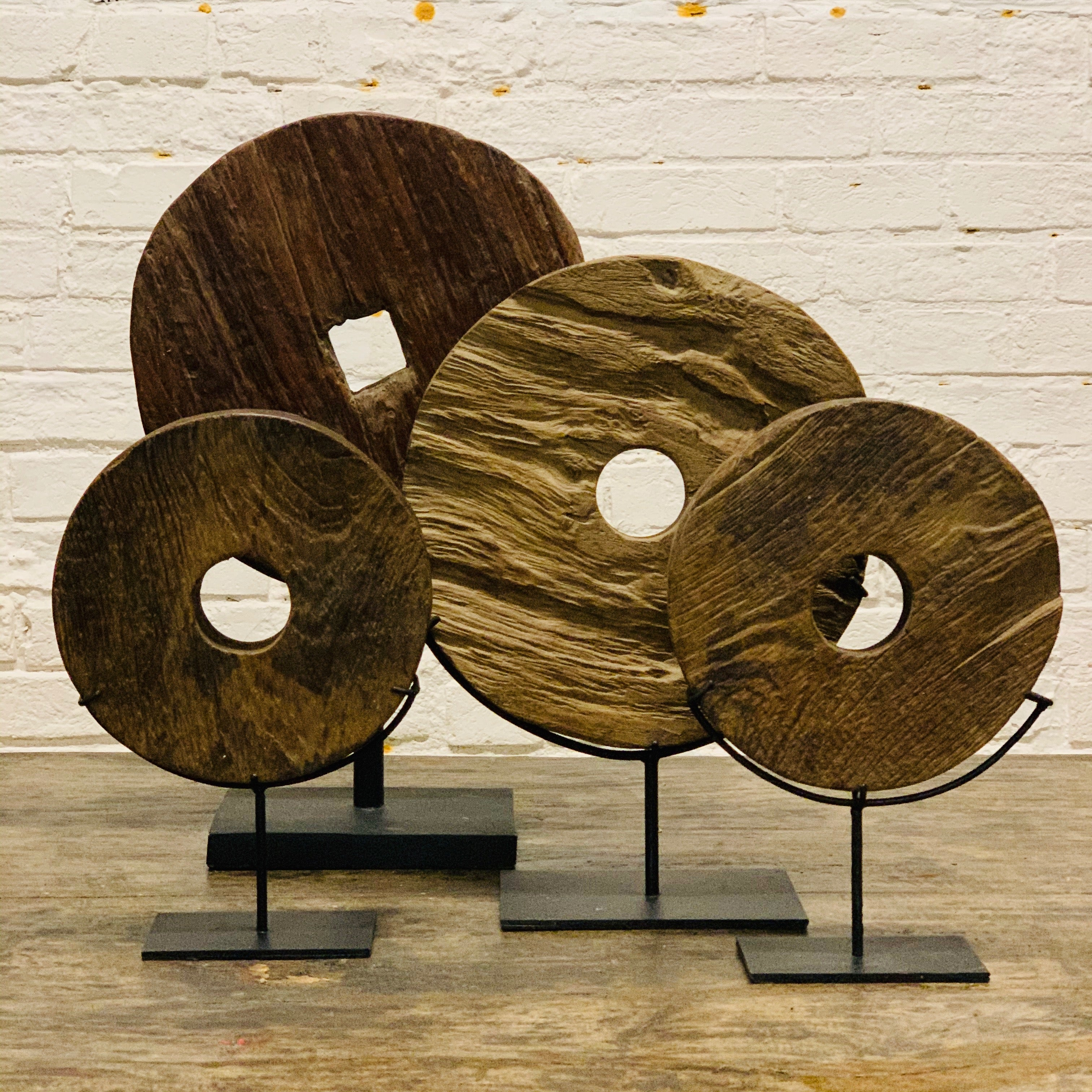 WOODEN DECORATIVE WHEEL