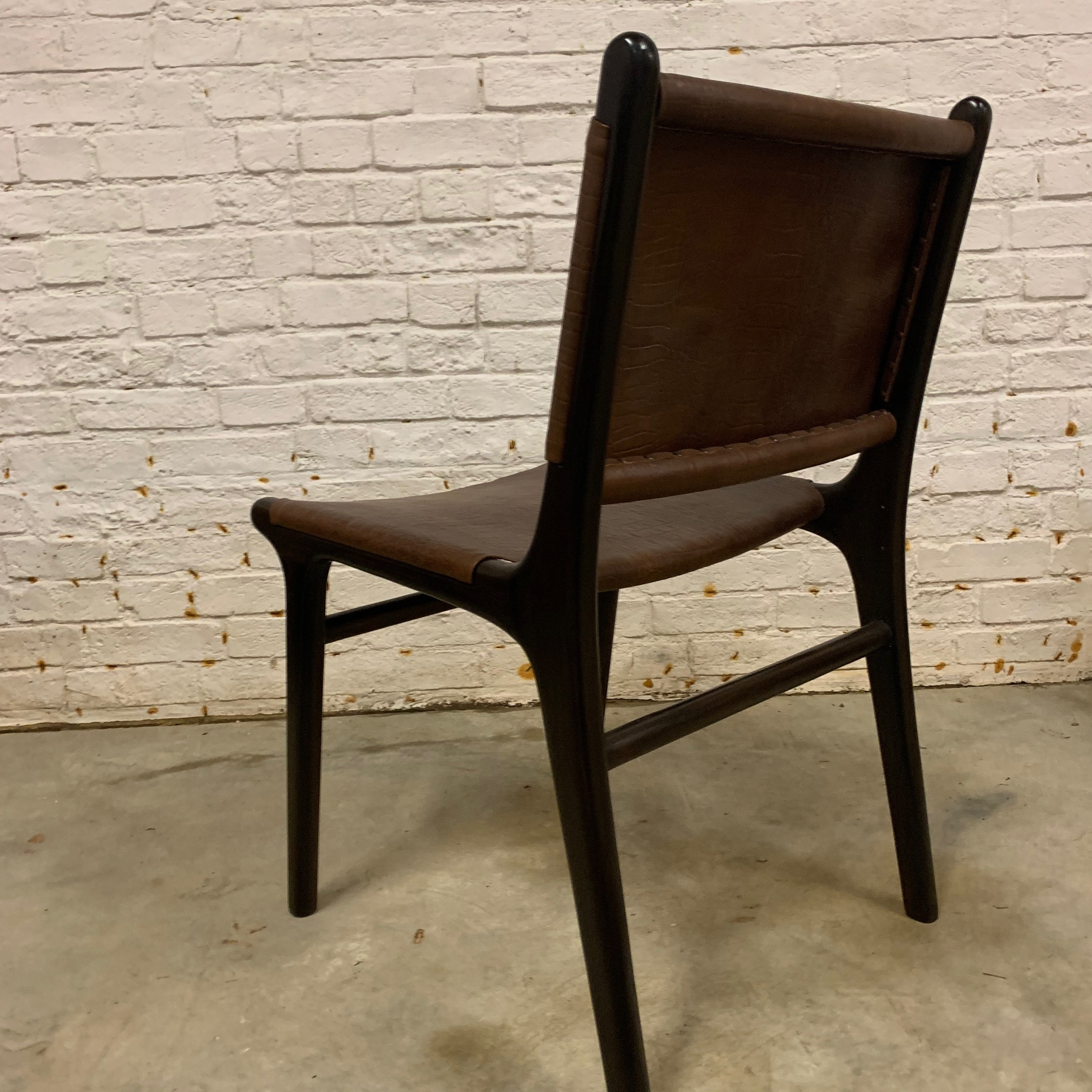 LEATHER AND TEAK CHAIR