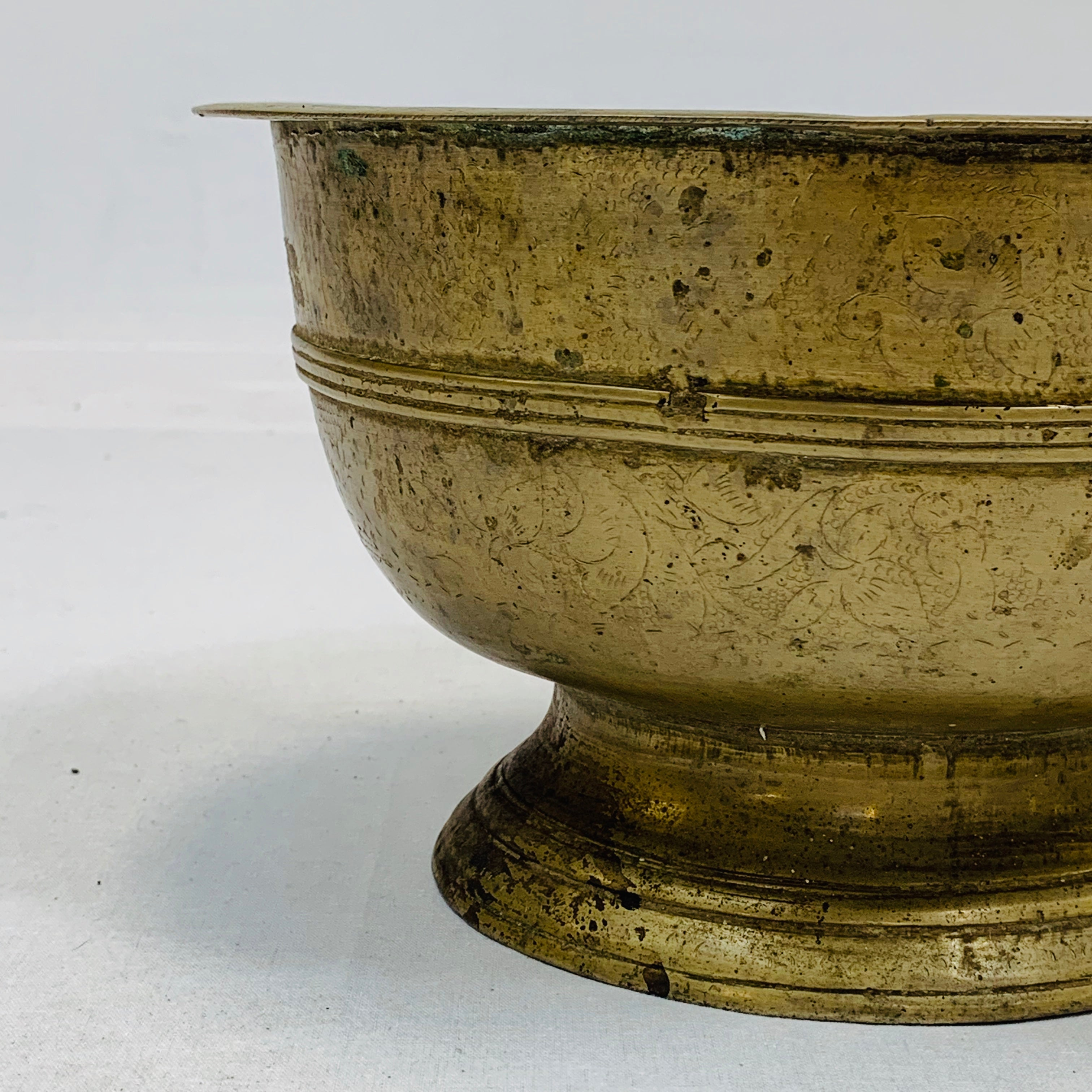 BRASS ANTIQUE BOWL