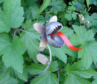 Venus Fly Trap Garden Sculpture by Artist Fred Conlon of Sugarpost