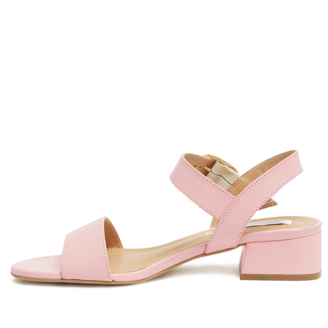 Julianne Sandal