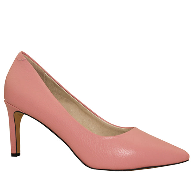 Kathryn Wilson women's pebble leather heel in a pink colourway on a white background.