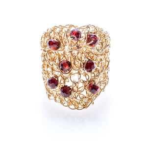 OVAL RING GOLD AND GARNET