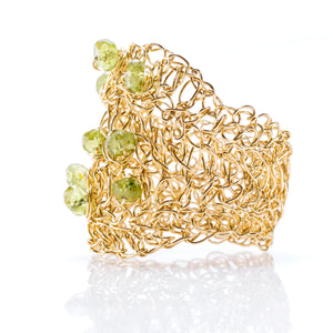 OVAL RING GOLD  AND PERIDOT