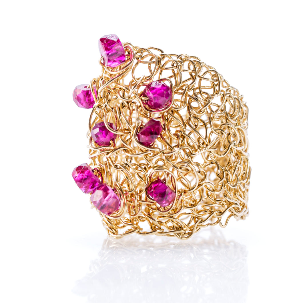 OVAL RING GOLD AND RUBIES