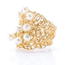 Load image into Gallery viewer, OVAL RING GOLD AND PEARLS
