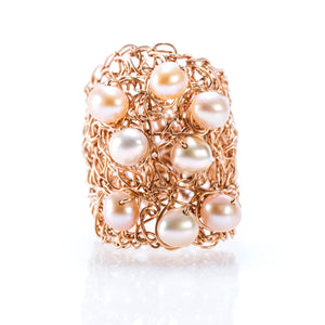 OVAL RING ROSE GOLD AND PEARLS