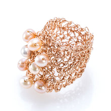 Load image into Gallery viewer, OVAL RING ROSE GOLD AND PEARLS