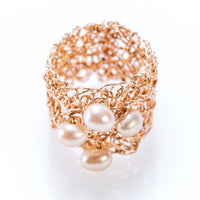 BAND RING ROSE GOLD AND PEARLS
