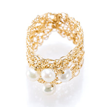 Load image into Gallery viewer, BAND RING GOLD AND PEARLS