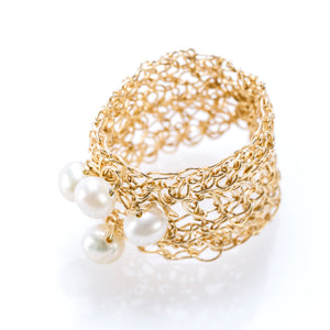 BAND RING GOLD AND PEARLS