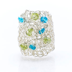 OVAL RING SILVER AND PERIDOT AND APATITE