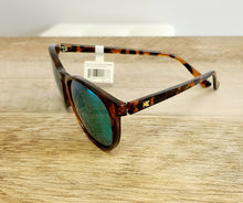Load image into Gallery viewer, Mai Tais - Glossy Tortoise Shell & Green Moonshine Polarized Sunglasses