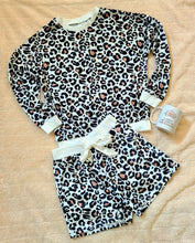 Load image into Gallery viewer, Leopard Lounge Set - Shorts