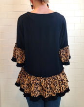 Load image into Gallery viewer, Black Linen Animal Print Top