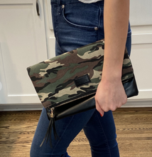Load image into Gallery viewer, Camo Foldover Clutch
