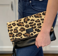 Load image into Gallery viewer, Leopard Foldover Clutch