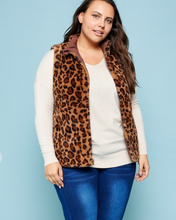 Load image into Gallery viewer, Mocha & Leopard Reversible Curvy Vest