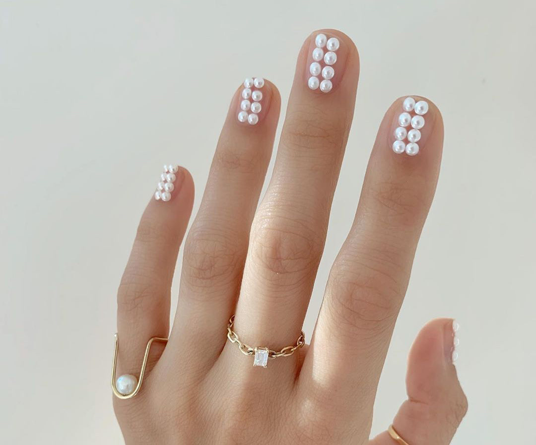 Holiday Nail Art: Minimalist to Maximalist