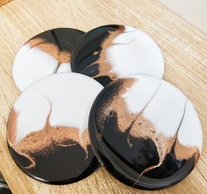 Monochrome and gold - Set of round coasters
