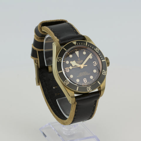 Tudor Black Bay Bronze - FLÂNEUR