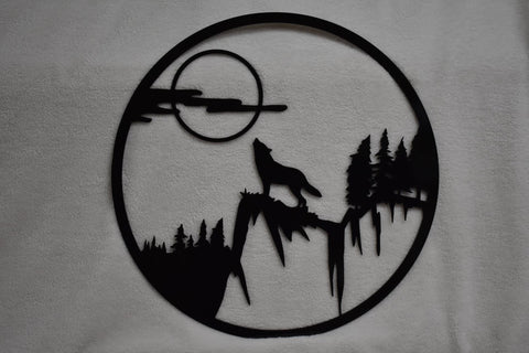 Metal wall decoration of wolf howling at the moon