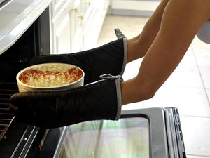 Keep your hands and wrists safe with the best oven mitts