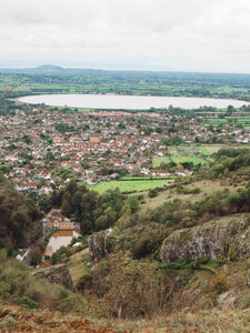 Looking for the best things to do in Cheddar Gorge? Dan and I just got back from a lovely few days based in Cheddar Gorge, exploring Somerset