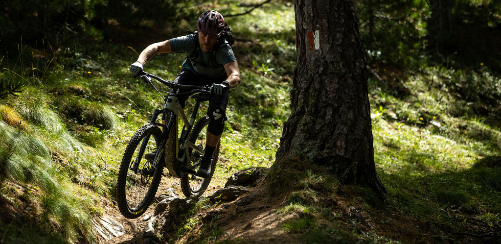 SANTA CRUZ BICYCLES New Heckler EP8 and MX Models Available    The Heckler is about expanding your own trail map – accessing previously unreachable trails, unlocking less-used trails and doing so independently. The full carbon frame and...