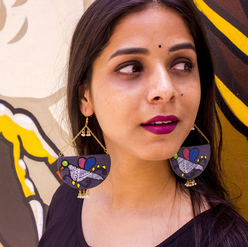 Black Hand-Crafted Terracotta Earring - Panigh
