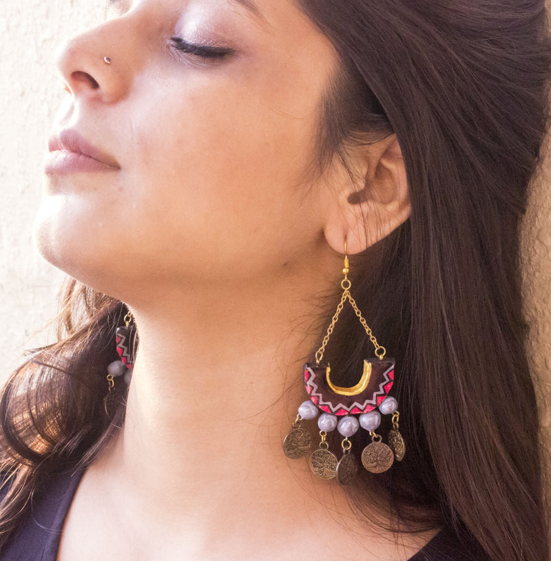 Black-Grey Dangling Hand-Crafted Terracotta Earring with Epoxy - Panigh