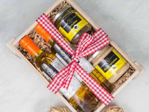 Extravagant CNY Hamper- Truffle Oil  and Truffle Paste