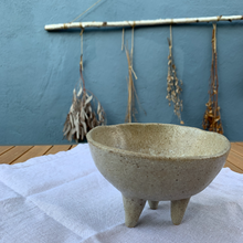 Load image into Gallery viewer, Wabisabi_Three legs Bowl