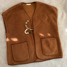 Load image into Gallery viewer, November Vest_Brown