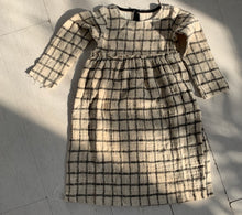 Load image into Gallery viewer, Grid Dress_Black