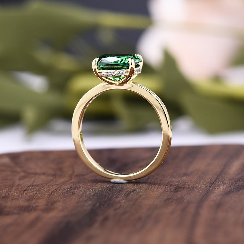 Luxurious Emerald Green Cushion Cut Wedding Ring Set In Sterling Silver