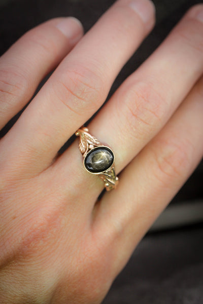 Black star sapphire engagement ring, leaves band / Cornus oval cab - Eden Garden Jewelry